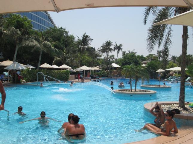 Jumeirah beach hotel diary of a desert fox - Jumeirah beach hotel swimming pool ...